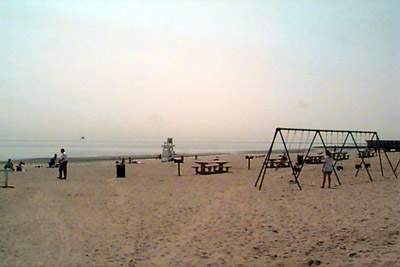 View of the activities at Penfield Beach, Fairfield