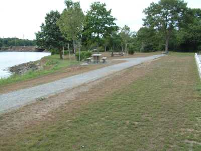 Picnic Area at Esker Point Park, Groton